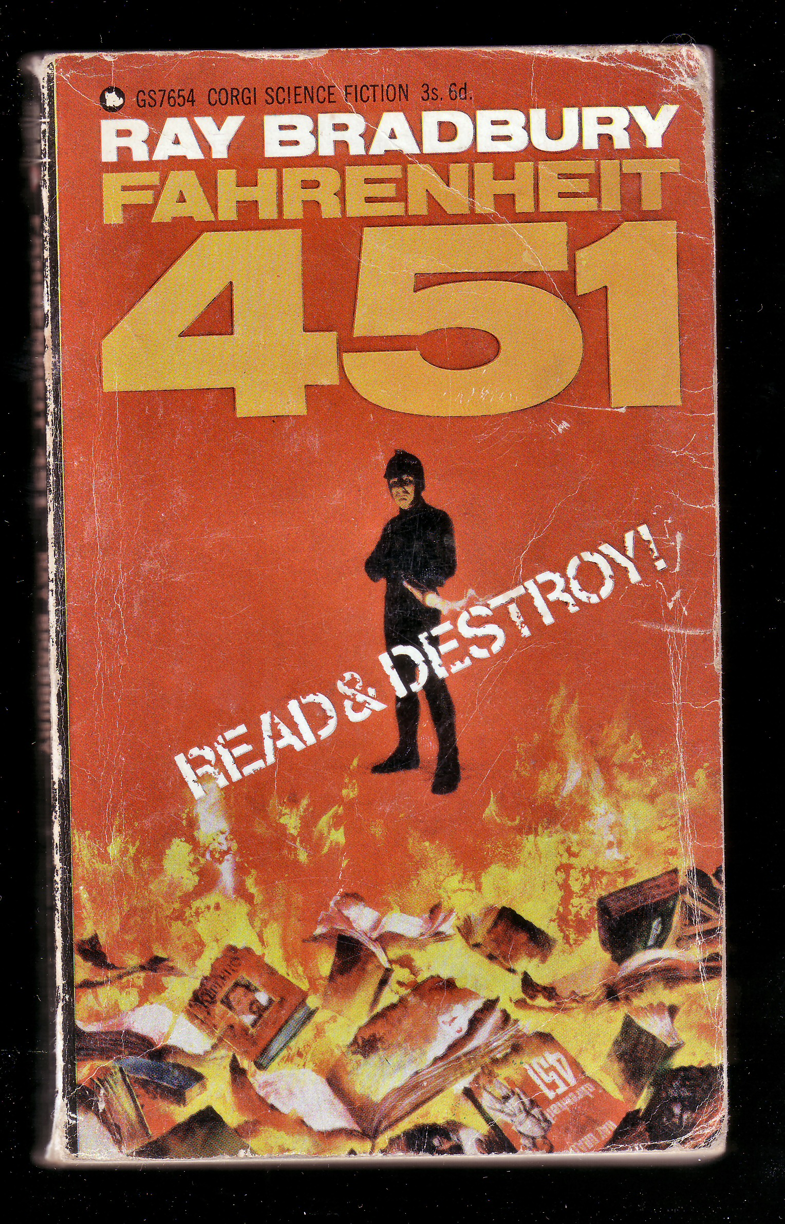 reading books in fahrenheit 451 a novel by ray bradbury Fahrenheit 451 by ray bradbury - ray bradbury's internationally acclaimed novel fahrenheit 451 is a masterwork of twentieth-century literature set in a bleak.