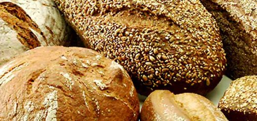 Different types of bread that are acceptable to both of these life hacks. Photo courtesy of Wikimedia Commons.