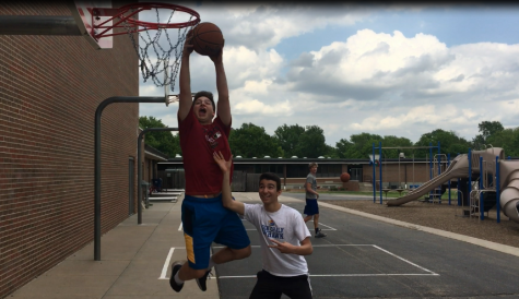 KMC Students Compete in 2v2 Basketball Tournament